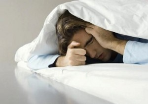homme-insomniac-punaise-de-lit